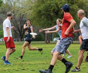Ultimate Frisbee-Eventi Motivazionali Team Building Milano-4